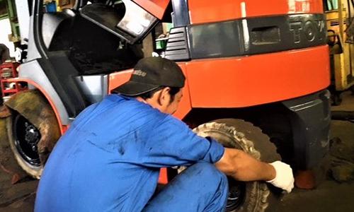 タイヤ点検組付
